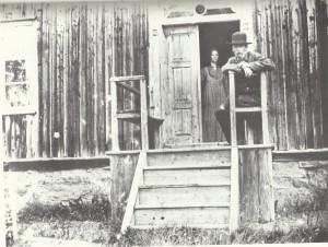 Elsa och Björn Ahlgrensson bodde under en tid i Nystuga i Rackstad