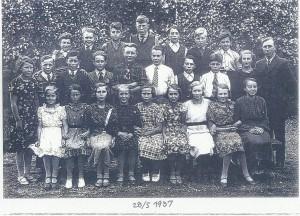 Rackstadskolan 28 maj 1937. Aina  tredje fr v. Bilden Bengt Anderssons Skolhistoria om Rackstad skola